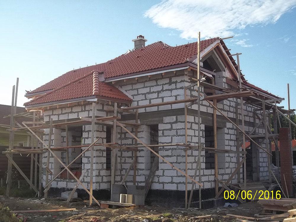 Завершен монтаж цементно песчаной черепицы БРААС